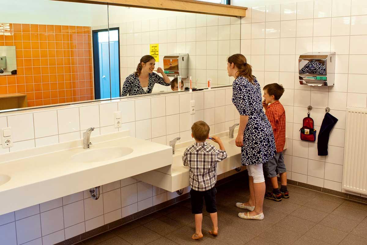 Moderne, saubere Sanitäranlagen
