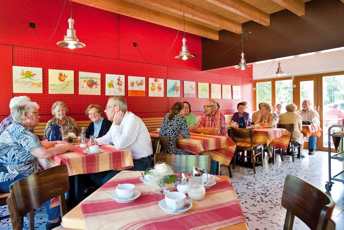 Unsere Gastronomie bietet Platz - drinnen und draußen!